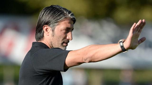 Murat Yakin surpiglia ils Vallesans per in onn.