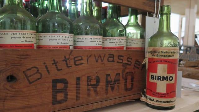 Flaschen mit der Aufschrift Birmo