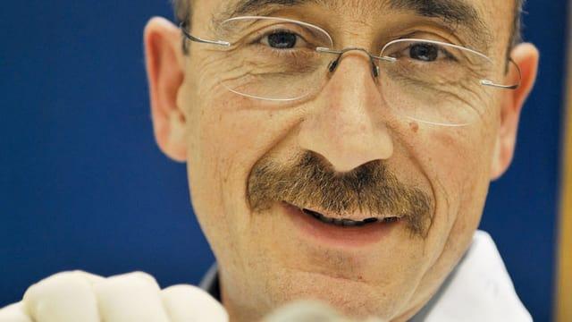 Video «Menschen und Mäuse - (5) Denis Duboule, Entwicklungsbiologe (alt)» abspielen