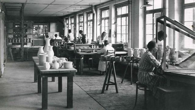 Blick in die Malerei. Um 1928.