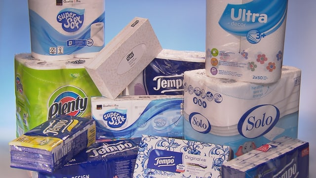 Verschiedene Produkte aus Papier wie Taschentücher, Haushaltpapier etc.