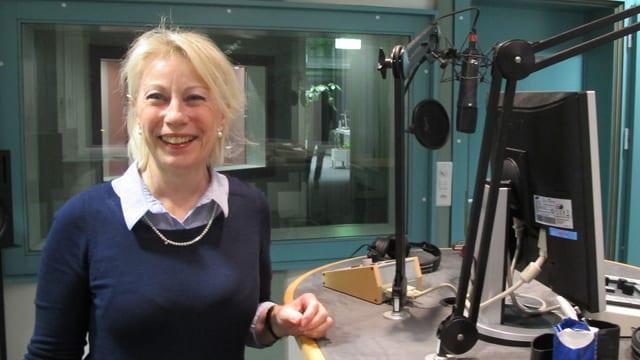 Jasmin Jost im Radiostudio Aarau