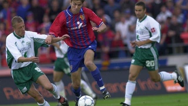 Bild mit Patrick Winkler aus dem Archiv von einem Spiel als FCSG-Spieler gegen den FC Basel.