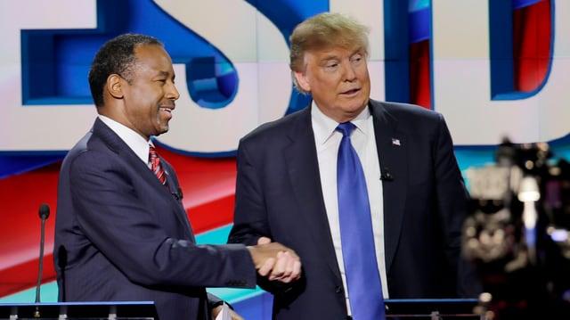 Ben Carson und Donald Trump an einer Debatte am 25. Februar in Houston (TX).