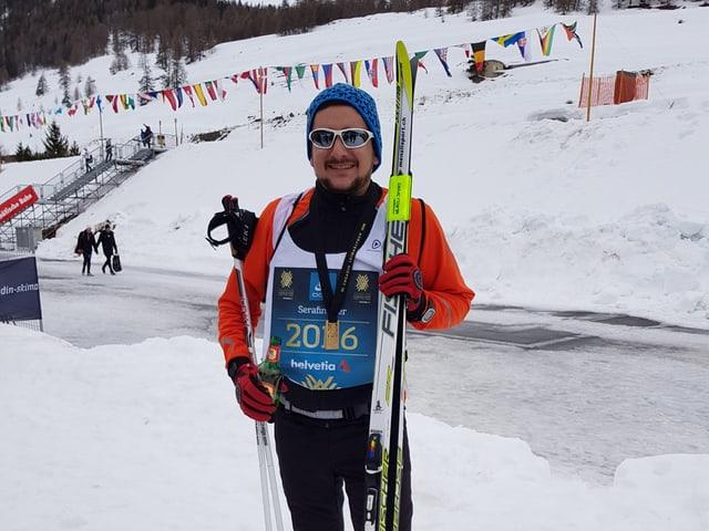 Serafin Beer cun la medaglia da (victur) finisher.