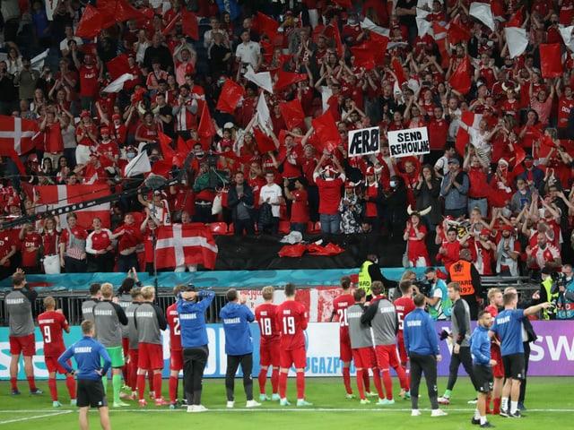 Dänemarks Spieler nach dem Aus gegen England.