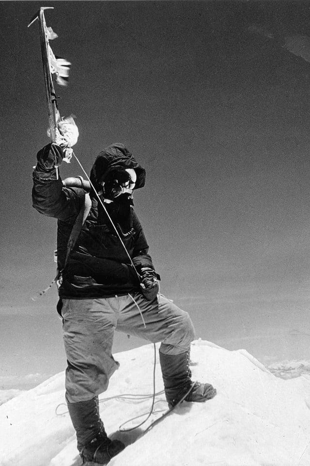 Tenzing Norgay auf dem Mount Everest.