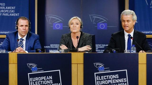 Le Pen mit Wilders und FPÖ-Generalsekretär Harald Vilimsky.