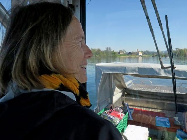 Blick aus Führerkabine des Motorbootes.