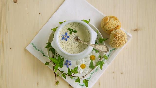 Video ««SRF bi de Lüt – Landfrauenküche» (2/8): Regula Gysel aus Wilchingen SH» abspielen