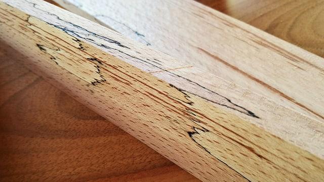 Zeichnung im Holz