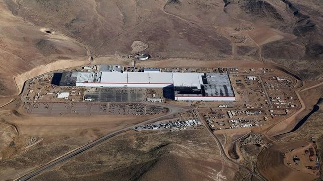 In der Wüste von Nevada befindet sich bereits eine Autofabrik von Tesla.
