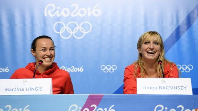 Martina Hingis und Timea Bacsinszky an der Pressekonferenz in Rio.