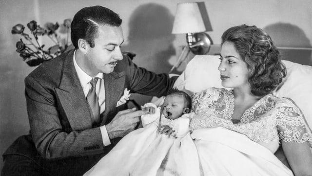 Väter sollen mindestens vier Wochen Vaterschaftsurlaub beziehen können – das fordert Travailsuisse.