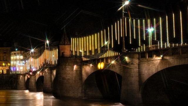 Weihnachtsbeleuchtung auf der Mittleren Brücke
