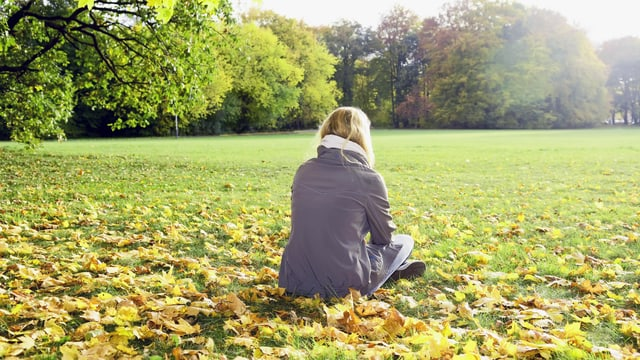 Frau in einem Park