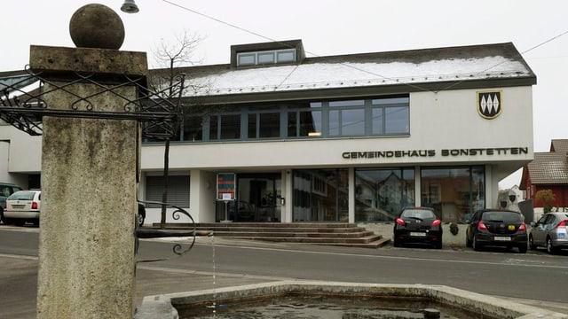 Das Gemeindehaus von Bonstetten.