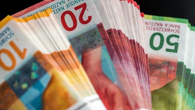 Symbolbild: Bündel von Franken-Noten.