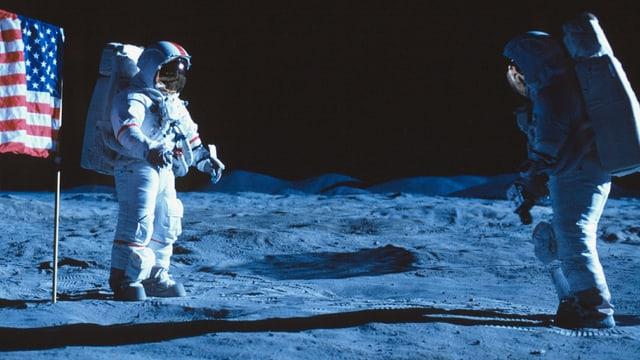 Die Astronauten Neil Armstrong und Edwin Aldrin landeten als erste Menschen auf dem Mond.
