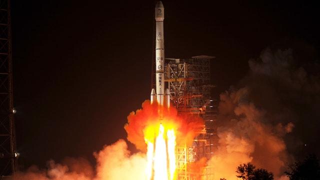 Der Start von Chinas Rakete mit dem Jade-Kaninchen an Bord am 2. Dezember in der Sechuan-Provinz.