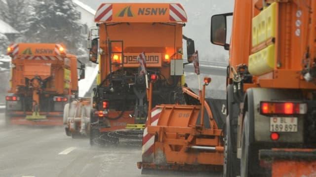Schneepflüge der NSNW AG im Einsatz
