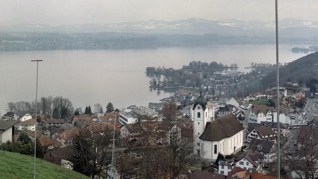 Baugespann im Steuerparadies Wollerau