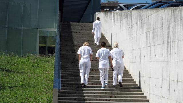 Das Pflegepersonal im Luzerner Kantonsspital ist kaum gegen Grippe geimpft.