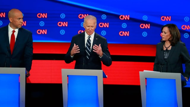 V.l.n.r.: Cory Booker, Joe Biden und Kamala Harris.