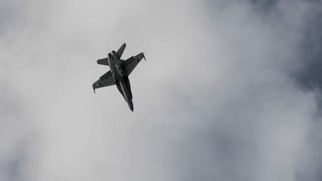 Aviun da cumbat svizzer dal tip F/A 18.