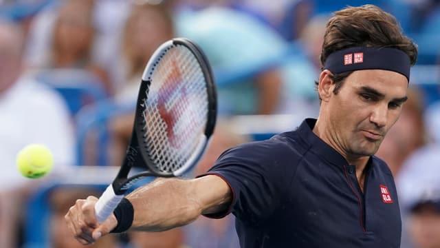 Roger Federer en acziun sin il plaz.