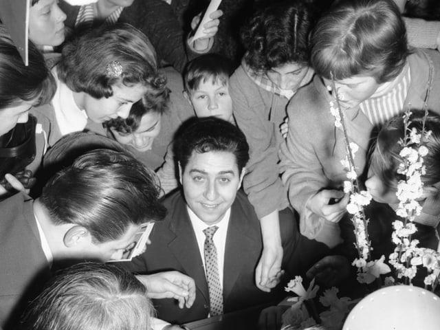 Vico Torriani e ses fans
