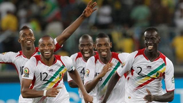 Mali feiert den Halbfinal-Einzug am Afrika Cup.
