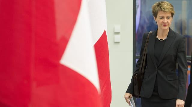 Bundesräten Simonetta Sommaruga äussert sich Ende Dezember 2012 zur Initiative «Gegen die Abzockerei». (keystone)