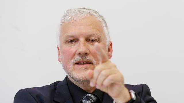 Il president da la conferenza dals directurs chantunals, Peter Gomm.