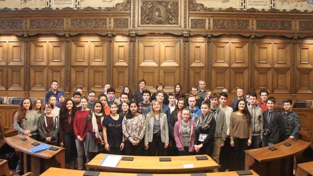 Gruppenbild im Grossratssaal.