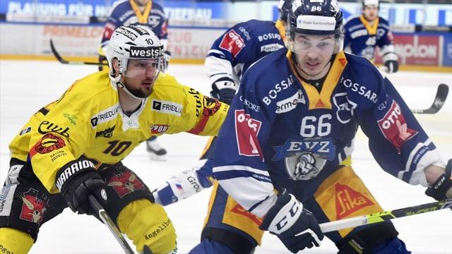 Hockey: Nico Gross dal EV Zug avant il terz gieu da final