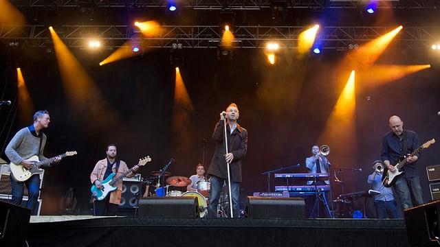Züri West auf der Bühne des Gurten Festivals in Bern (2012)
