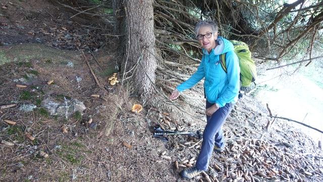 Rosmarie Kuhn fa regularmain excursiuns publicas da bulieus.