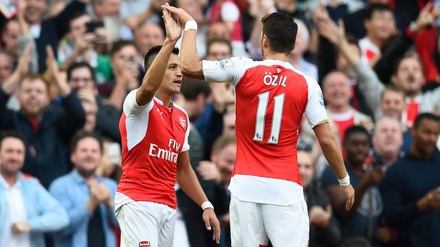 Arsenals Offensivkräfte Alexis Sanchez und Mesut Özil.
