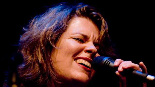 Zu sehen ist die Bieler Sängerin Kristina Fuchs.