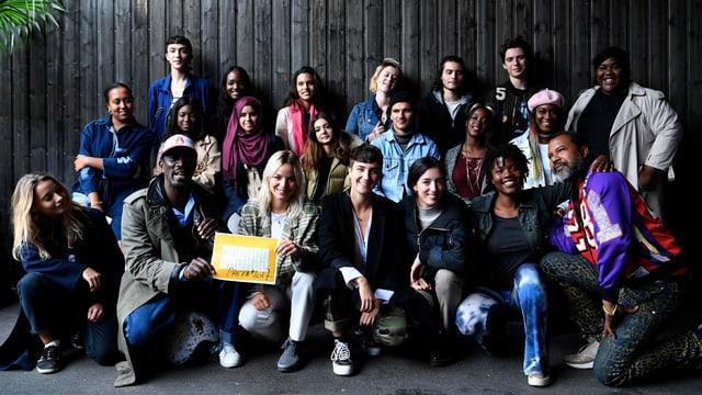 Gruppenbild mit allen Studenten der Casa 93.