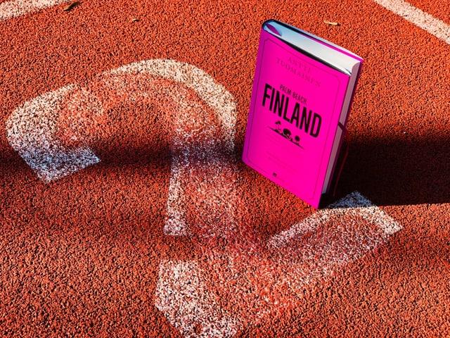 Der Krimi Antti Tuomainen: «Palm Beach, Finland» steht auf der Laufbahn Nummer 2