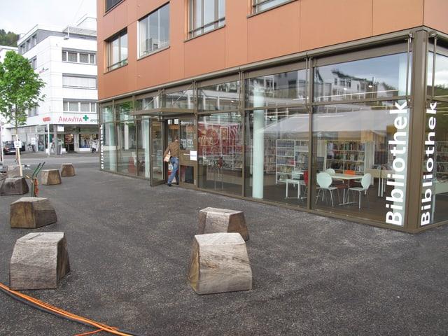 Die neue Bibliothek am Gemeindehausplatz.