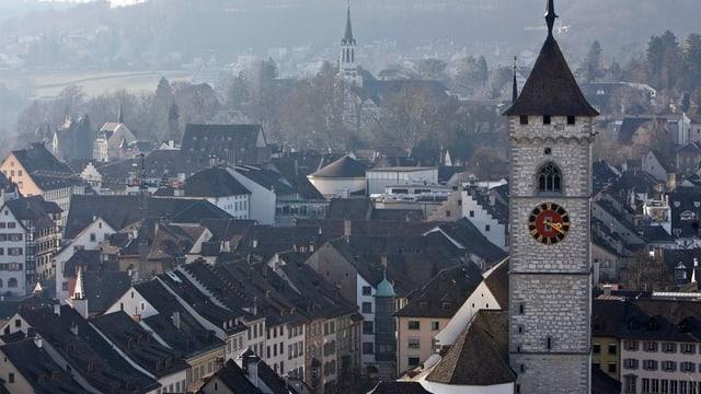 Dächer der Schaffhauser Altstadt mit zwei Kirchtürmen