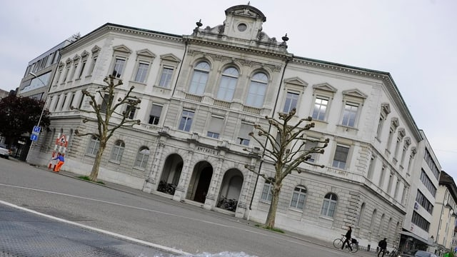 Frontfassade des Amtshauses in Solothurn