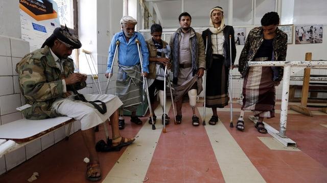 Verletzte in einer Klinik