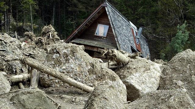 Haus in Erdrutsch.