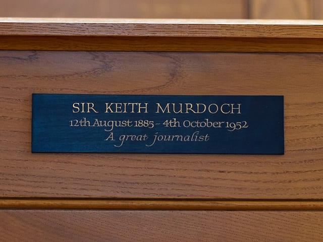 Gedenkplakette für Sir Keith Murdoch.