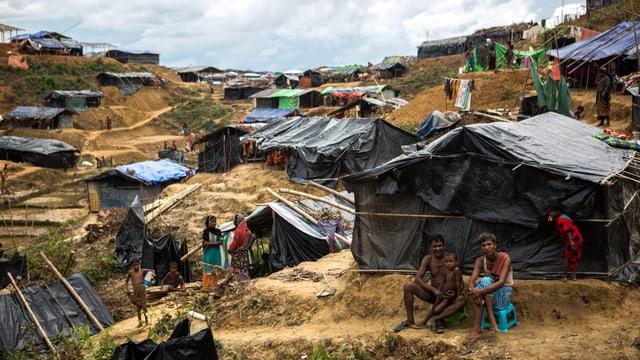 Menschen im Flüchtlingscamp in Kutupalong, Bangladesch