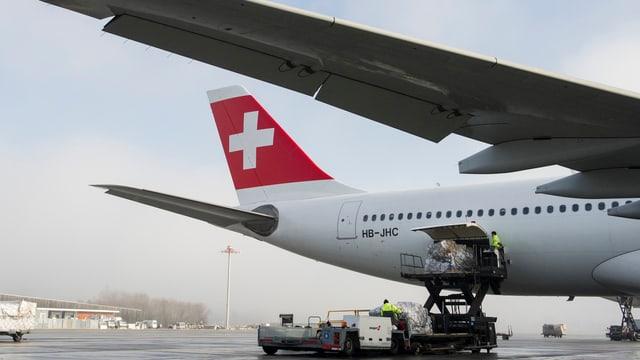 Eine Maschine der Swiss auf dem Flughafen